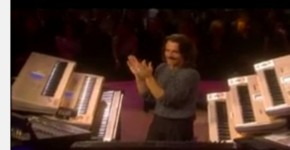 Magical Concluding Musical Performance by Yanni in a Live Concert