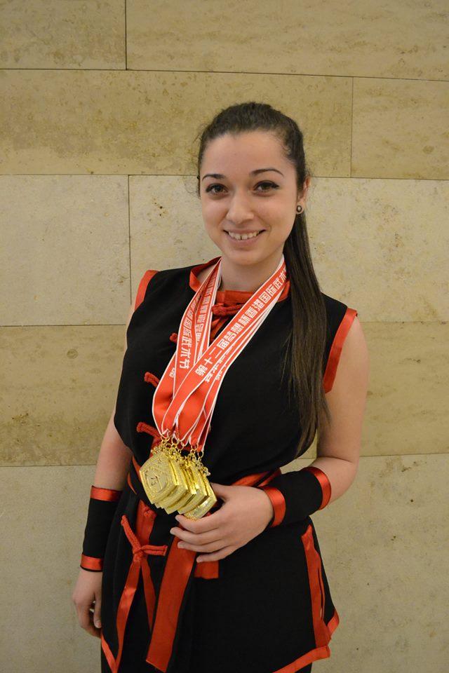 Ани Станева у шу кун фу 6 златни медала Хонконг